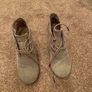 Toms tan wedge booties: size 6
